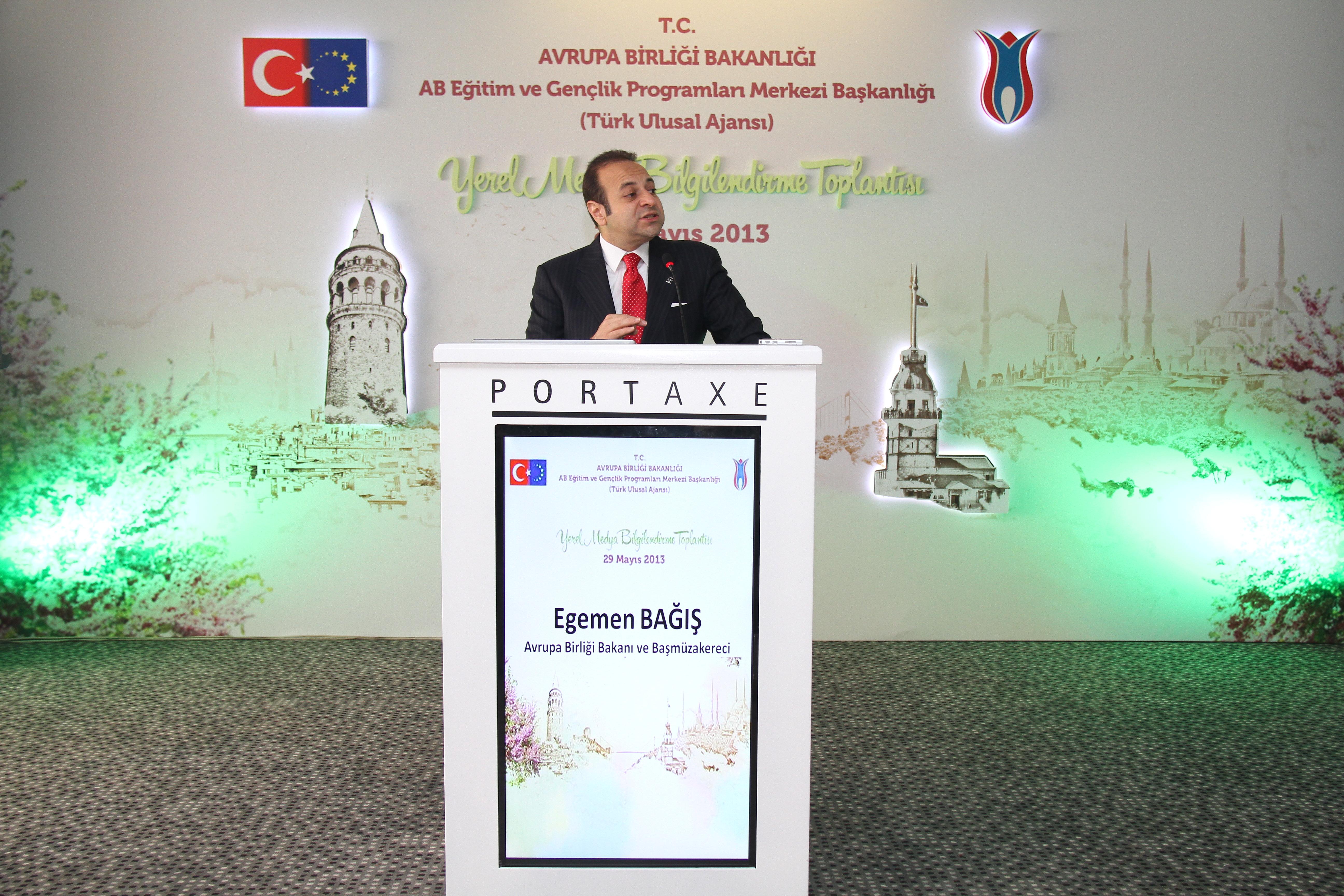 """Egemen Bağış: """"Türkiye'nin Yeni Sınır Kapısı Türk Ulusal Ajansı"""""""