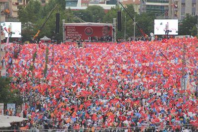 Milli İradeye Saygı Mitingi İstanbul'da büyük çoşkuyla yapıldı