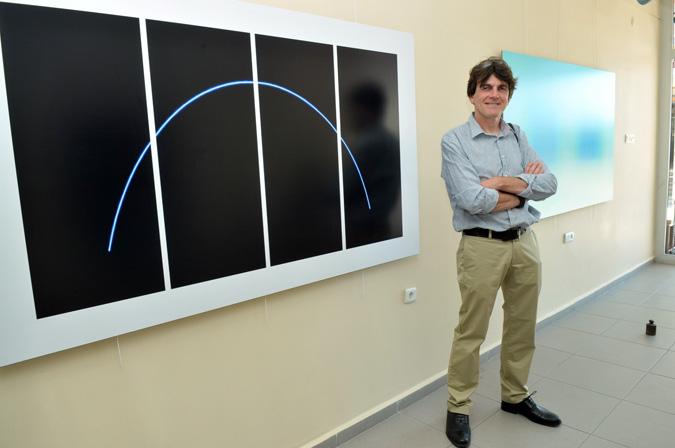 """Andy Moxon'un """"Işık ve Zaman"""" sergisi Tuzla'da"""