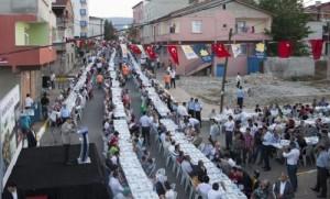 sultanbeyli-halki-ayni-sofrada-bulustu-4836233_458_o
