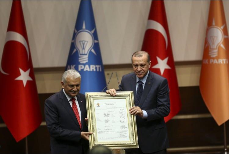 Cumhurbaşkanı Erdoğan resmen AK Parti'de!