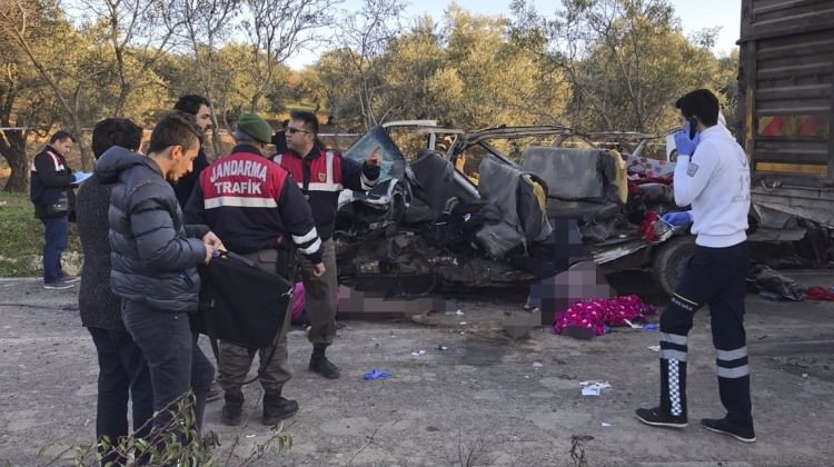 Hatay'da korkunç kaza: 10 ölü, 7 yaralı!
