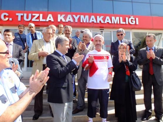 Tuzla'dan giden Türk Bayrağı Samsun'a ulaştı