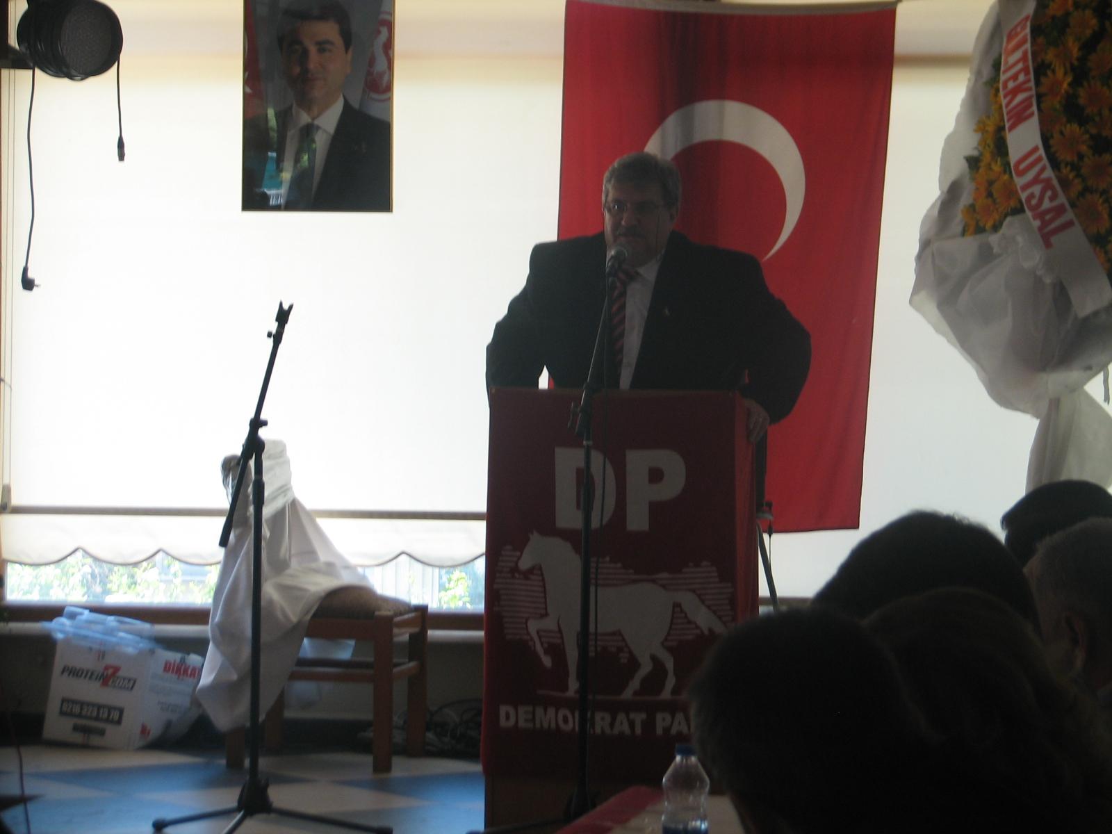 Tuzla Demokrat Parti'de Başkan yeniden Yaşar Taşkıran