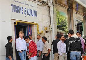Genç işsizliği dünyada arttı, Türkiye'de azaldı