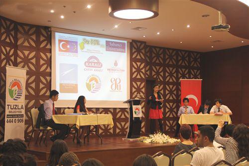 Uluslararası Liseler Münazara Şampiyonası Tuzla'da Yapıldı