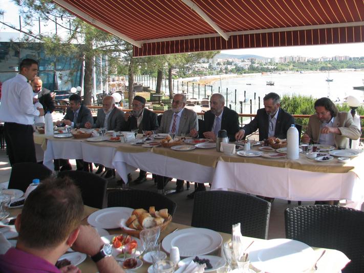 Tuzla Saadet Partisi Kahvaltı Verdi