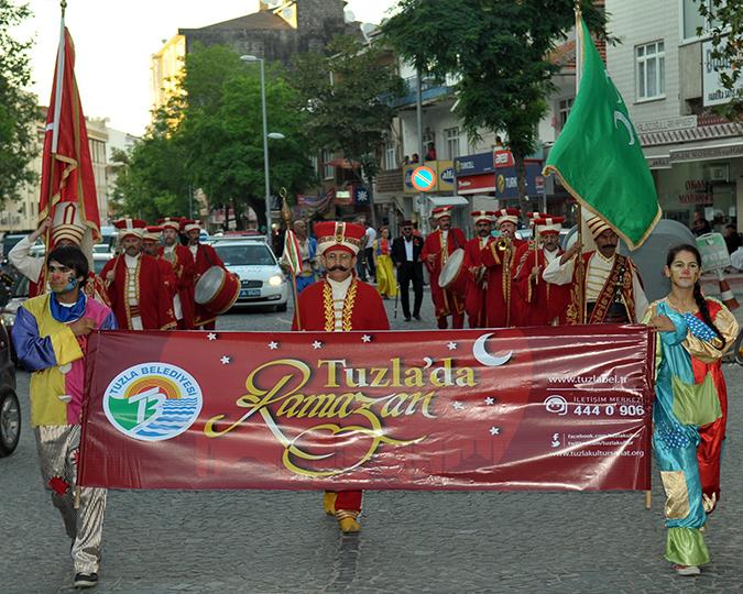 Tuzla'da Ramazan Coşkusu Dolu Dolu Yaşanıyor
