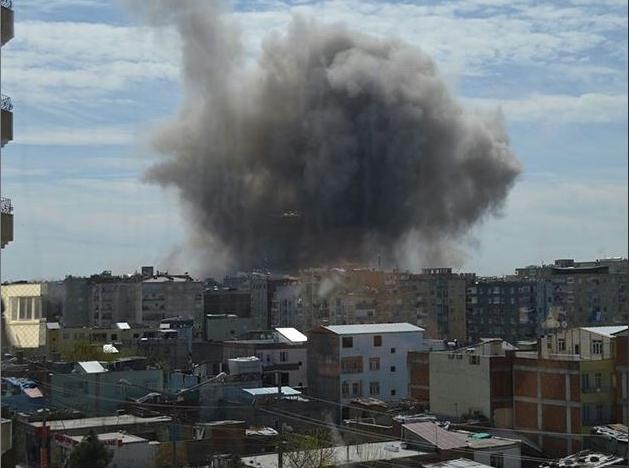 Diyarbakır'da patlama! İlk görüntüler geldi…